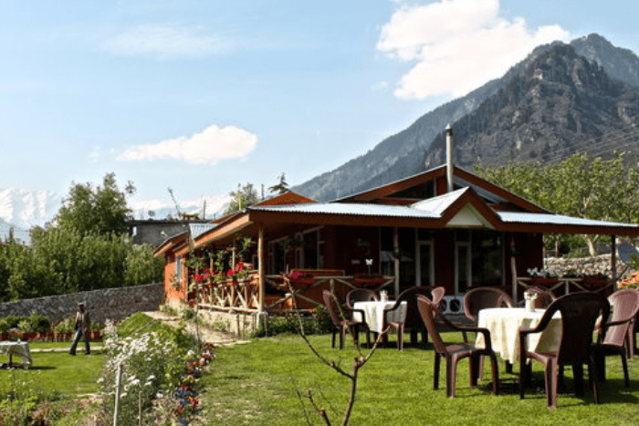 restaurants in manali