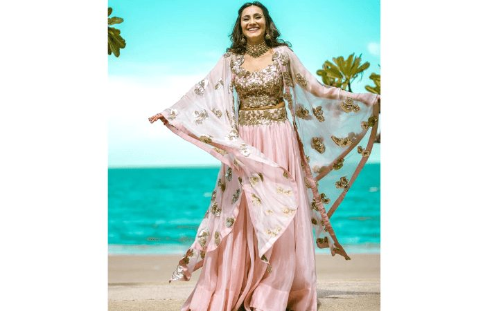 mehendi outfits for summer weddings