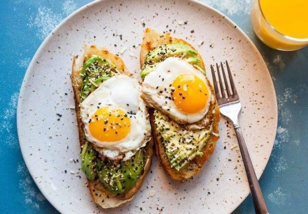 healthy breakfast recipe - avocado