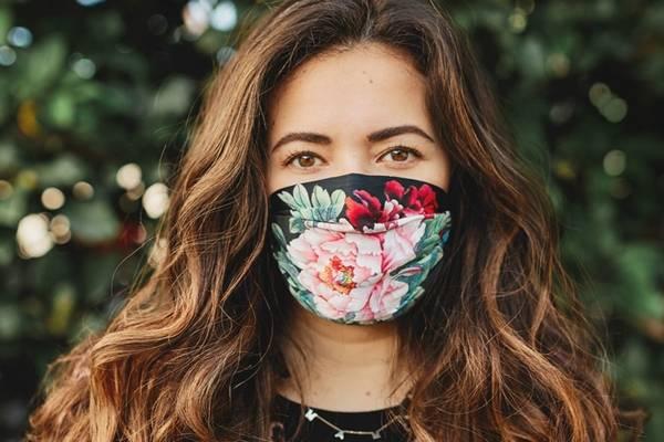 Girl wearing fabric mask