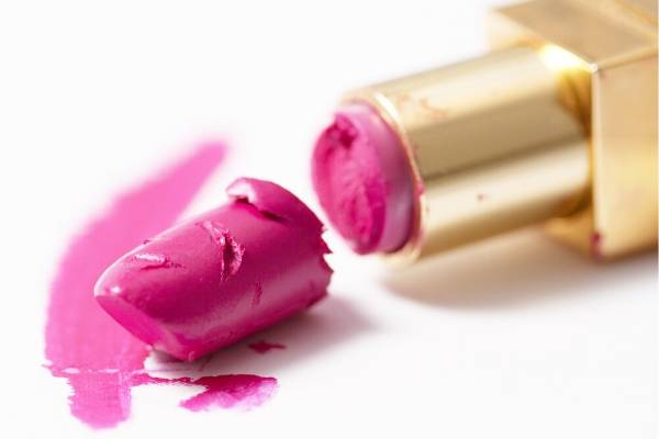 Lipstick Broken Makeup