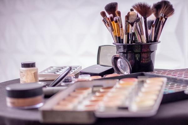 how to build a makeup kit